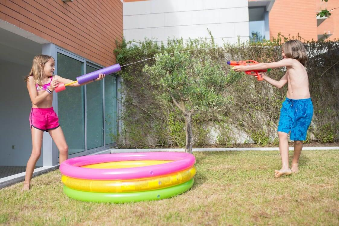 Backyard Games You Can Play with Your Kids this Summer